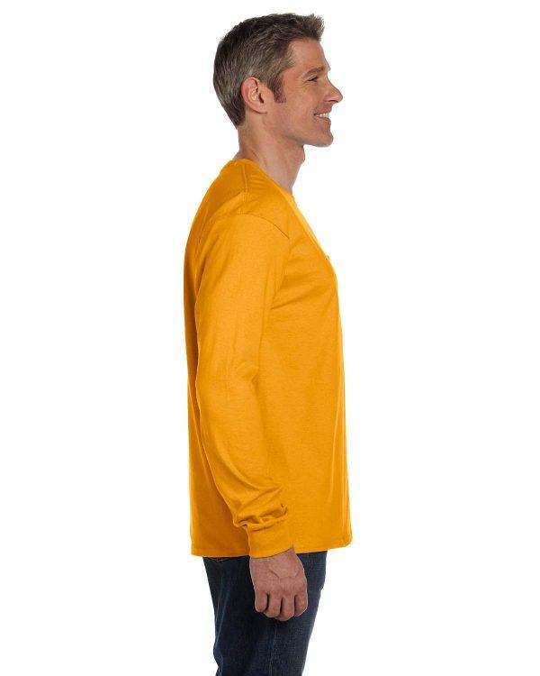 Hanes 5596 Men's Tagless Long-Sleeve Pocket T-Shirt Side
